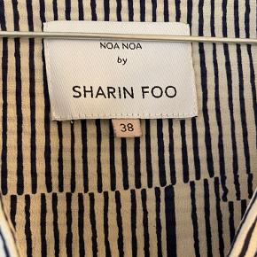 Aldrig brugt :)  Fra Noa Noas colab med Sharin Foo  Kvalitet: silke