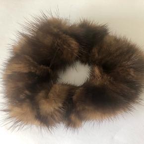 Mink scrunchie. Aldrig brugt  #30dayssellout
