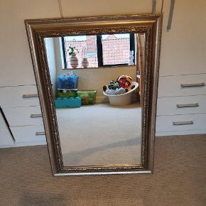 Spejl Flot velholdt spejl fra røgfrit hjem  Mål 66×96 cm