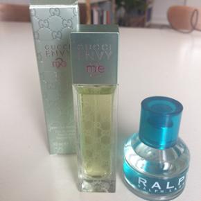 Da jeg har for mange parfumer, sælger jeg disse to. Ralph er brugt ganske få gange. Gucci er helt ny. De er begge købt i Matas.