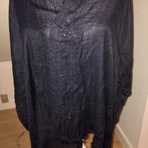 Aldrig brugt tørklæde med palietter  100kr