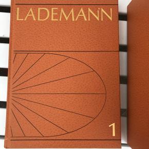 Lademanns Leksikon 12 bind velholdt.