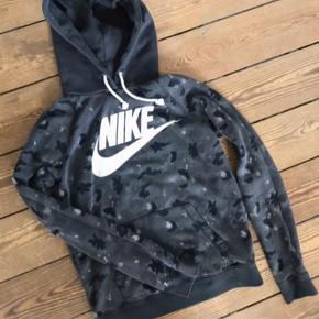 Nike hoodie str. Small