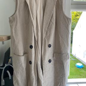 RESERVED vest