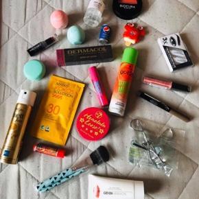 Ubrugt skønheds produkter Mærker: Body Shop, Maybelline, EOS osv.. Køber betaler porto Pris fra 20/stk Køber betaler porto Ved ts handel betaler køber ts gebyr oveni prisen
