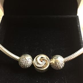 Halskæde fra Pandora, med 3 vedhæng