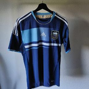 Argentina udebanetrøje. Størrelse small, brugt sjældent.