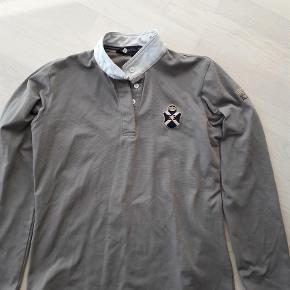 Varetype: Bluse Størrelse: M Farve: Brun  bytter gerne med en tilsvarende i blå eller sort