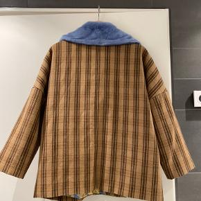 Fin Saks Potts/Copenhagen fur jakke sælges