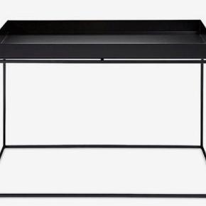 Moderne sofabord fra HAY sælges pga. flytning. Aldrig brugt og ingen skader eller mærker. Nypris: ca. 1300 kroner.