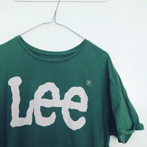Lee logo t-shirt.