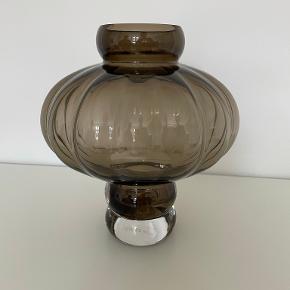 Louise Roe vase