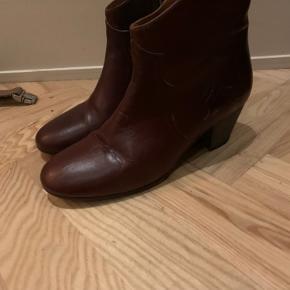 Smukke støvler brugt få gange