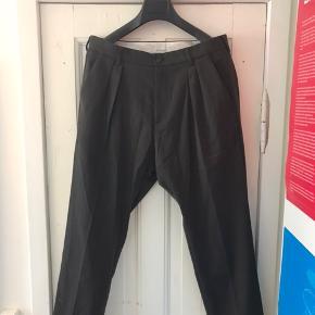 Bukser fra Samsøe & Samsøe der aldrig er blevet brugt. Bukserne er i str. 50 som svarer til en Large :)
