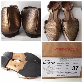 Fineste feminine sko i guld :-) Bytter ikke! Nypris kr. 975,-