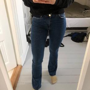 Low waist flare jeans. Aldrig brugt