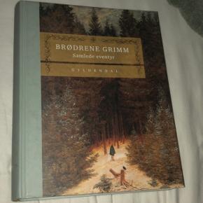 Super flot stand af Brødrende Grimm Samlede Eventyr - Gyldendal. Det er den indbundne version. Den er tung og pris inkl. porto bliver derfor 200,-.