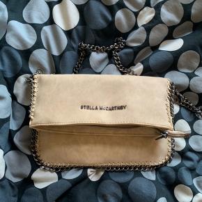 Sælger min stella taske, den er brugt men stadig i super god stand.  - kvit haves desværre ikke sælges derfor billigt! Byd.
