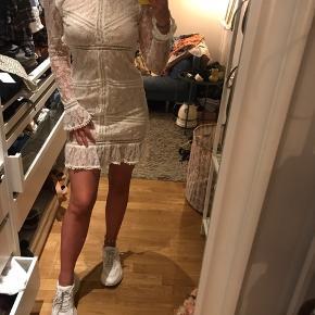 Mega fin kjole god til studenter perioden  36kr for fragt