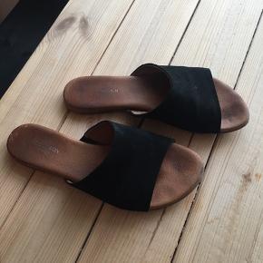 Fine sandaler.  Kom gerne med bud