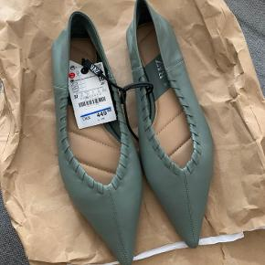 Flotte sko fra Zara i str 37. Aldrig brugt! Kom med bud👌🏻