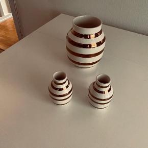Jubilæums vaser 2 x 12,5 cm.  Og en alm  sælges samlet   Seriøse bud modtages.