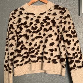 H&M sweater/strik Str. S *prisen er eksklusiv fragt, køber betaler fragt*  Spørg gerne efter flere billeder😊