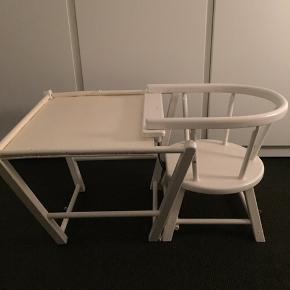 Fin retro højstol som kan ændres til legebord. Pude kan evt. medfølge , hvis der er interesse herfor.