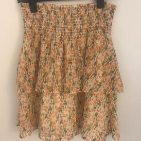 Super fin nederdel i print fra kollektion efterår 2020
