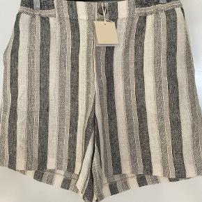 Heartmade / Julie Fagerholt shorts