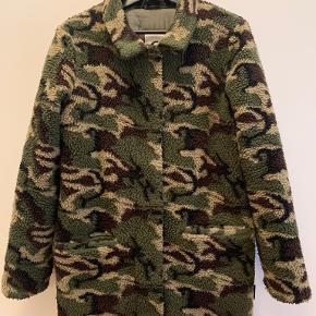 Costbart overtøj