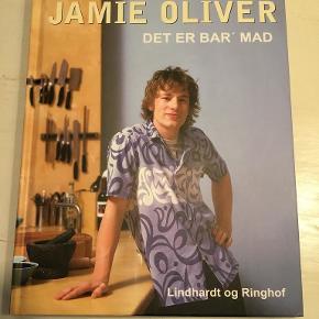 Jamie Oliver - Det er bar' mad  hardback 250 sider på dansk   Se også mine andre mange annoncer og spar evt. på portoen :)
