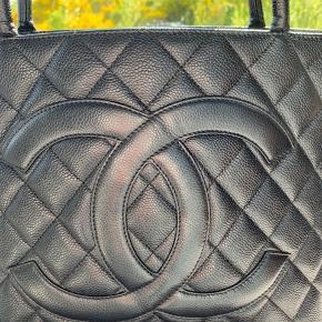 Sælger denne smukke taske fra chanel ❤️ I pæn stand