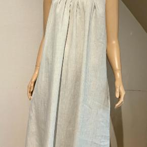 Uno kjole