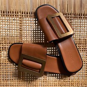 Boyy sandaler