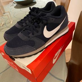 Nike MD runner. Str 42,5. Nye og ikke brugt.