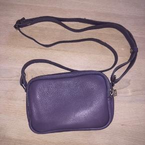 Taske fra Daniel silfen i modellen Katrine. Har aldrig været brugt