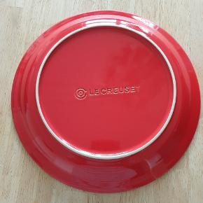 4 stk middags tallerkner 27 cm cerise rød samlet 400 kr
