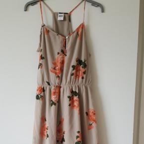 Kjole fra vero moda, aldrig brugt