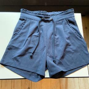 Shorts fra mærket Jacqeline de yong, Str. Xs - nye stadig med prismærke. Sælges for 100 kr.
