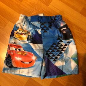 2 par bade shorts fra Cars (Bilka) str. 116.  Brugt meget lidt. Fejler intet. Pr. Par 20 kr.