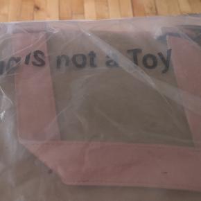 Helt ny Nunoo Camilla taske i original emballage sælges