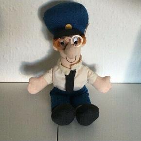 Den evigskønne postmand Per dukke  ca 25 cm høj   Sender gerne   Se flere annoncer
