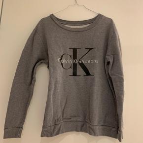 Calvin Klein sweatshirt, grå