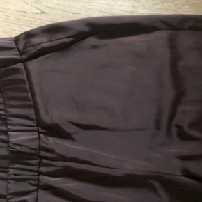 Satin bukser fra gina tricot, aldrig brugt!!