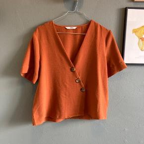 Skjorte tshirt.  Farven passer bedst på sidste billede.   #secondchancesummer