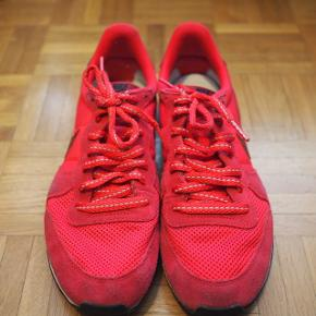 Nike internationalist roses en daimChaussures en très bon état