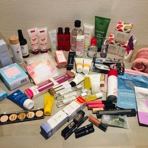 Produkter fra blandt andet Goodiebox, LF-box (Lookfantastic) og andet - intet af det har været i brug med mindre det er angivet :-)  Priserne er angivet på billederne og er pr ting (ikke pr. billede) :-)  Sender gerne med DAO eller Postnord (på eget ansvar).  Se også mine andre annoncer - jeg har ryddet op i mit lille lager af hudpleje :-)  NYX, La Roche-Posay, Aromatherapy, Korres, Clinique, Elizabeth Arden, INCredible, BBB London, Doucce, Bellapierre, Bioderma, Caudalie, Lookfantastic, Goodiebox, BalanceMe, N.A.E., Emma S, Gosh, Rituals, Talika, My Moments / MATAS, Essence, Rituals, Naobay, Starskin, Urtekram, Karmameju, Depend, Balance Me, Filorga, Mio, ESPS, PIXI, Rodial, Clean Reserve