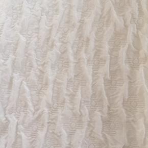 Spec bluse fra Zara - str L men vil sige den passer str S/M. 100 kr inkl DAO