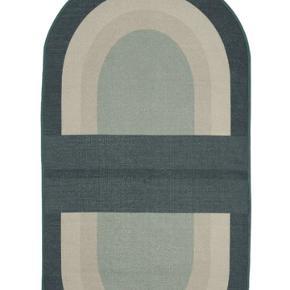 Helt ny Hübsch gulvtæppe stadig med mærke, købt for stor , nypris 569 kr